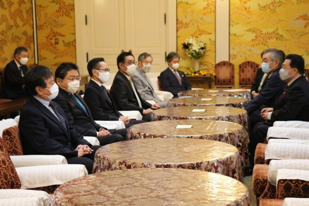 2020年12月3日(木)与野党国対委員長会談